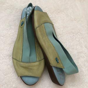 Shoes - Cloud Leather Sandals Sz 38